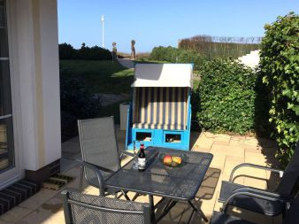 Villa Bolte 19 - Terrasse mit Strandkorb